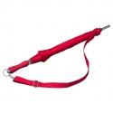 Czerwona parasolka z regulowanym paskiem na ramię